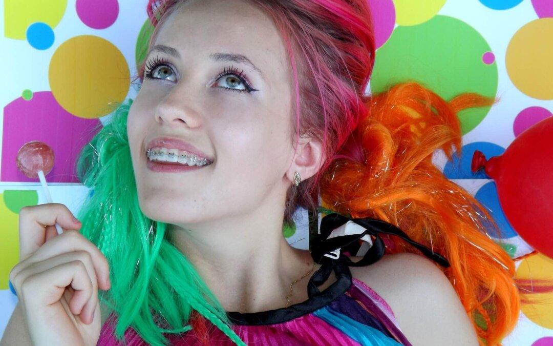 Jak pozbyć się ze skóry plam po farbie do włosów?