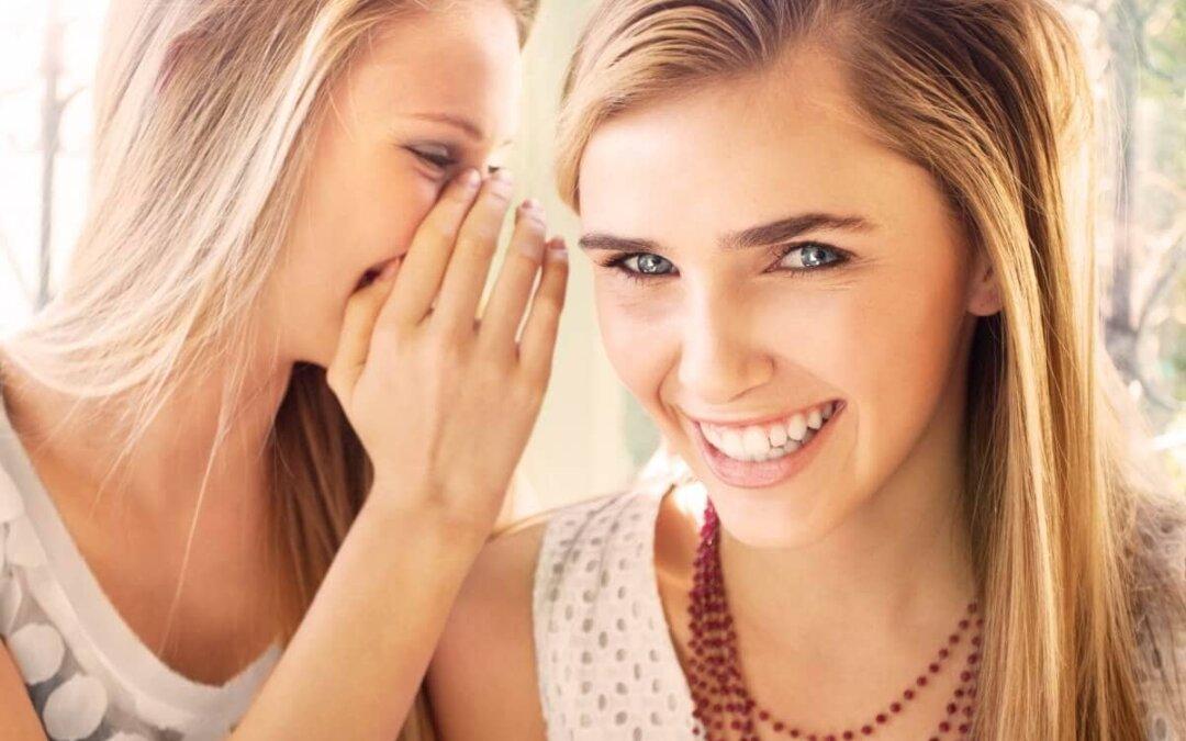 Jak sprawić by nasze zęby były czysto białe?